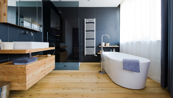 Refaire sa salle de bain quel prix moyen par un artisan - Salle de bain avec bain sur pattes ...