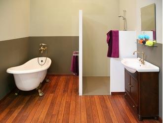 pose de parquet dans une salle de bain, est-ce une bonne idée ? - Salle De Bain Sur Plancher